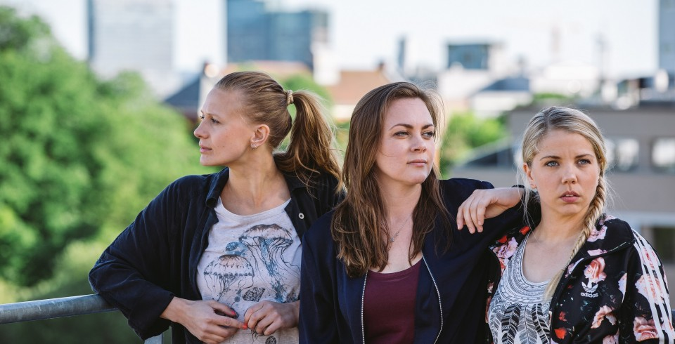 The three girls 4, Foto Eirik Evjen, Monster Scripted, NRK